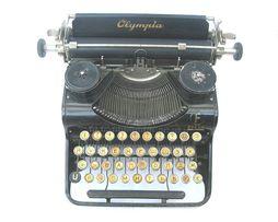 Довоенная печатная машинка Olympia FILIA