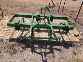 5 tooth chisel plough