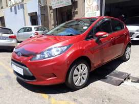 Ford  Fiesta 1.6  R 80 000 Negotiable