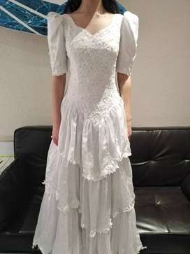Beautiful wedding dress unique satin and lace second hand and long
