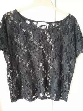 Pre loved cotton on black lace crop top size small