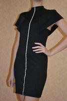 Стильное черное платье со стразами