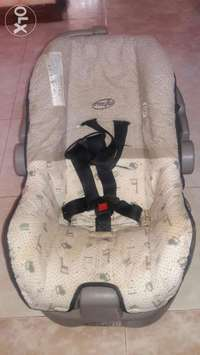Ex-UK evenflo infant car seat for sale 0