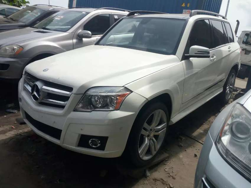Foreign used 2011 mercedez benz GLK350 for sale 0