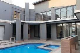 6 Bedroom House for Sale in Willowbrook