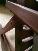 Деревянная кресло- качеля