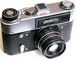Фотоаппарат ФЭД 5В (в комплекте-вспышка, зарядка и пр.)