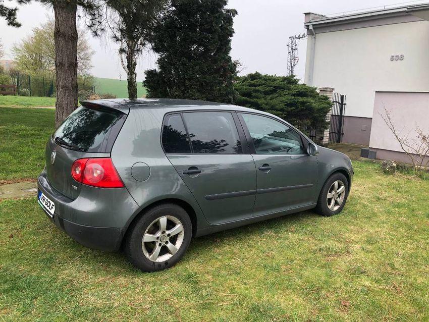 Prodám VW golf 1.9 r.v. 2004 0