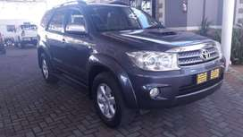 2011 TOYOTA FORTUNER 3.0D-4D 4X4 MANUAL
