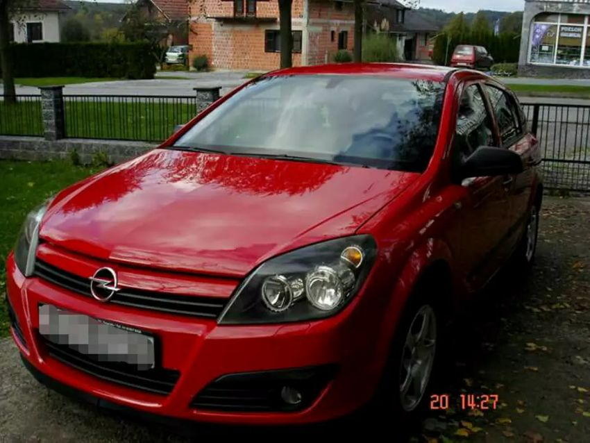 Opel Astra H 0