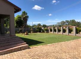 Beautifully Renovated Family Home - Lydenburg.
