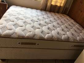 Sealy Tivoli Firm Queen bed FOR SALE!!! R3500