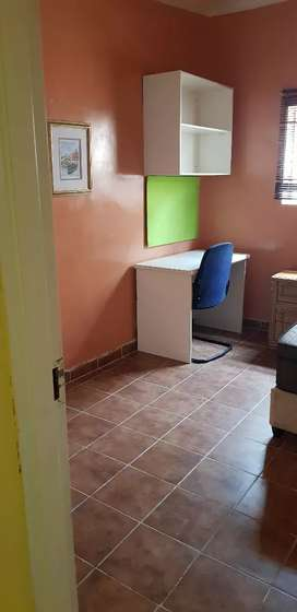 Student accommodation- fully furnished single rooms