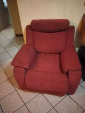 Recliner couch set