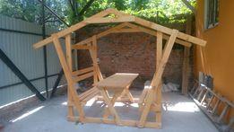 Беседка деревянная. Беседка из дерева новая со столом
