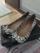 Baleriny kazar buty damskie lakierowane skora weza r 40 39 jak nowe
