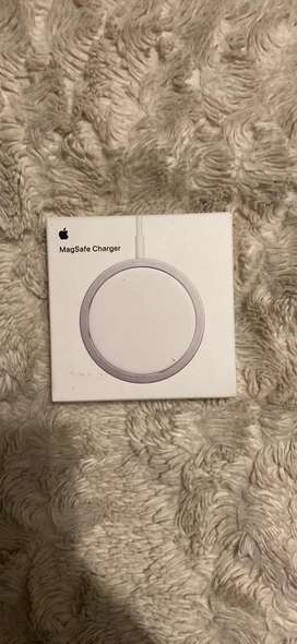 Apple magsafe wireless charger