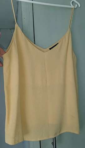 EXCELLENT CONDITION - Secondhand clothing
