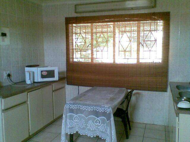 Luxurious, Spacious, Clean and Furnished 2 Bedroom Garden Cottage 0