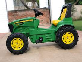 John Deere Pedal Tractor - TOY