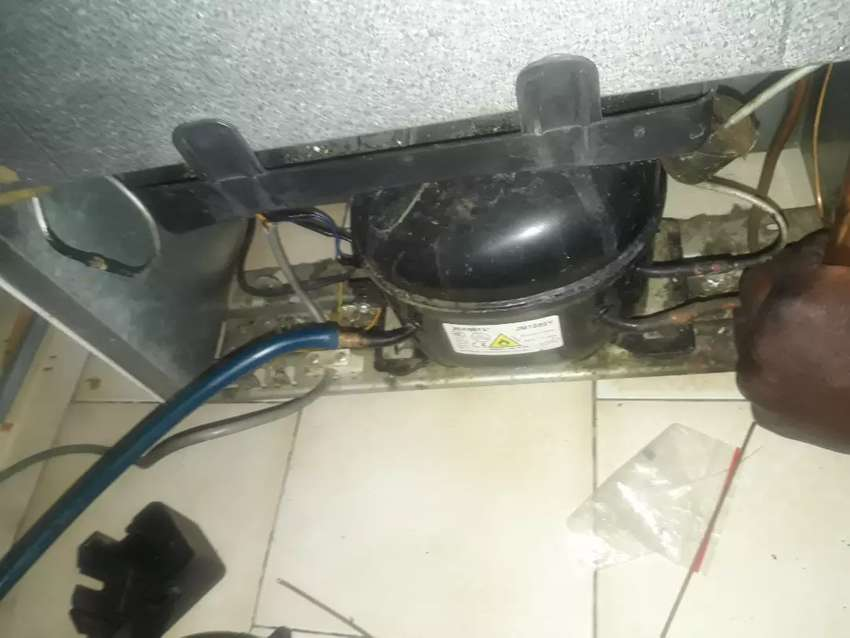 Fridge repair and regas 0