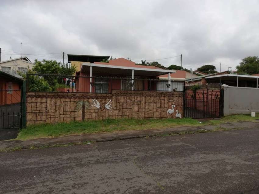 2 BEDROOM HOUSE WITH A 2 BEDROOM GRANNY FLAT FOR SALE 0