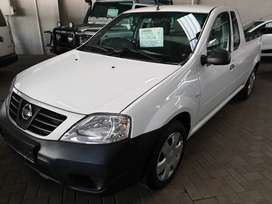 /2017 Nissan Np200 1.6i Safety Pack A/C-Only 62900km-R134900