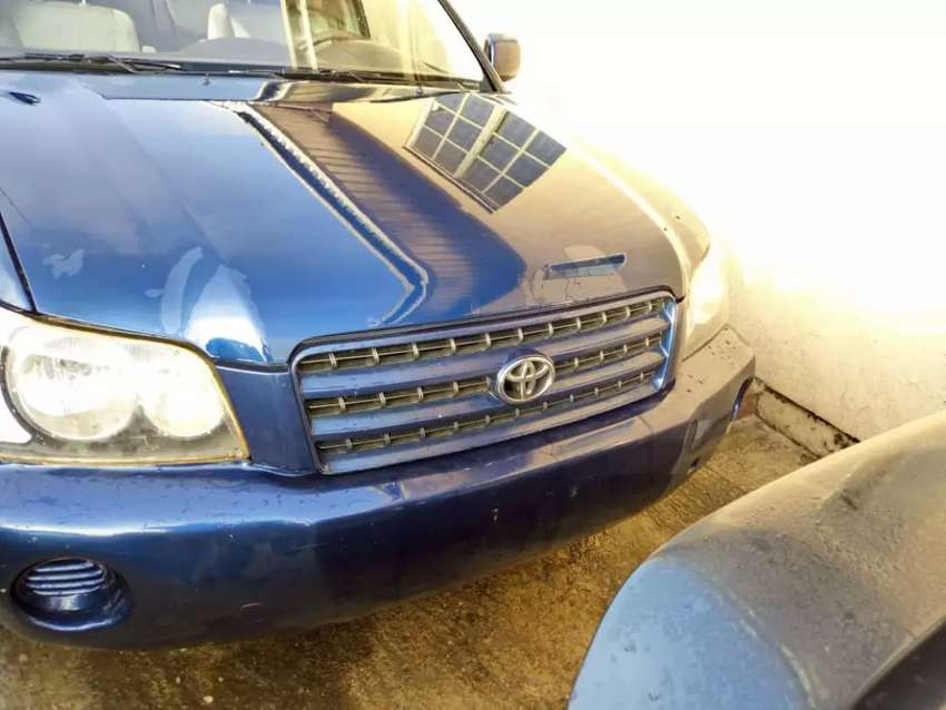 Highlander Toyota for sale at a cheaper rate 0