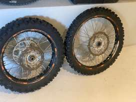 Complete rim and tyre set