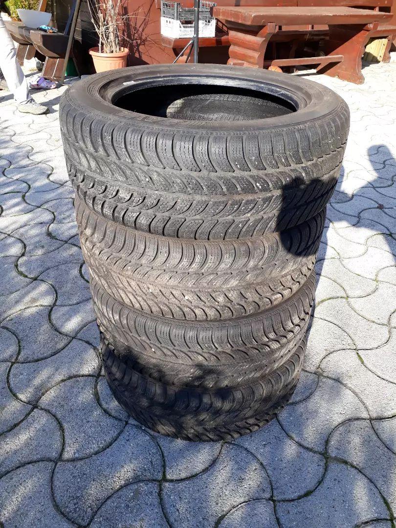 2 zimski pnevmatiki Sava 205/55-R16 rabljeni 0