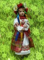 Куклы фарфоровые в украинском костюме