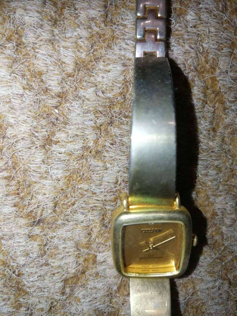Various watches 0