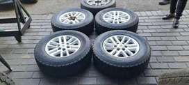 4 × 17inch toyota hilux mags and tyres for sale
