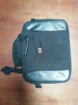 Pre-owned laptop bag