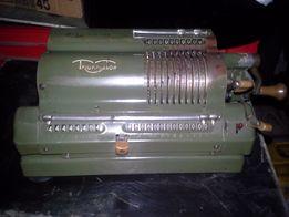 Stara maszyna do liczenia TRIUMPHATOR
