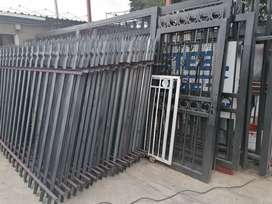 Selling palisades fence and Gate all sizes available