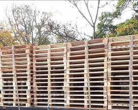 Wooden Pallets,  Crates,  Dog kennels