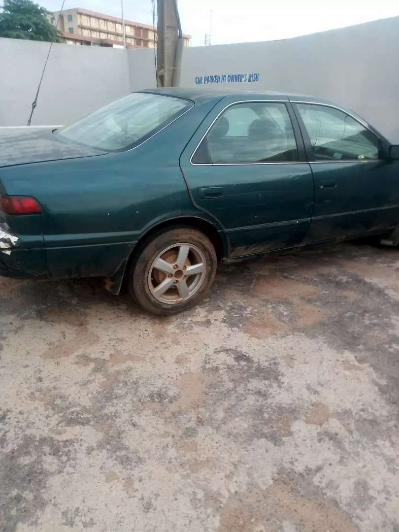 Toyota Camry Pencil with green colour 0