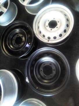 """16''and 17"""" Ford Ranger and Toyota and Isuzu steel rims for spare R400"""