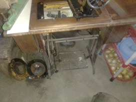 Singer sewing machine needs TLC but working