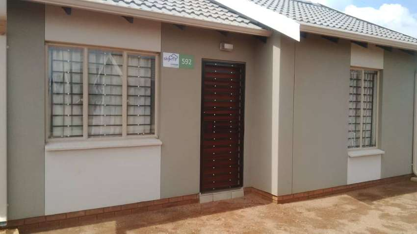 Neat 2 bed available for rent in Sky City