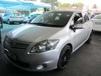 Image of 2012 Silver Toyota Auris 1,6 sx engine