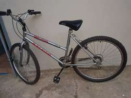 ROAD BICYCLE FOR 700