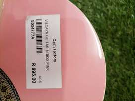 Vizcaya Guitar in Box (Pink)