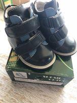 Ортопедические ботинки Размер: 21, длина по стельке 11,5 см.