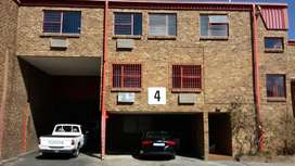 TO LET: 526 SQM INDUSTRIAL WAREHOUSE IN STRYDOMPARK, RANDBURG.