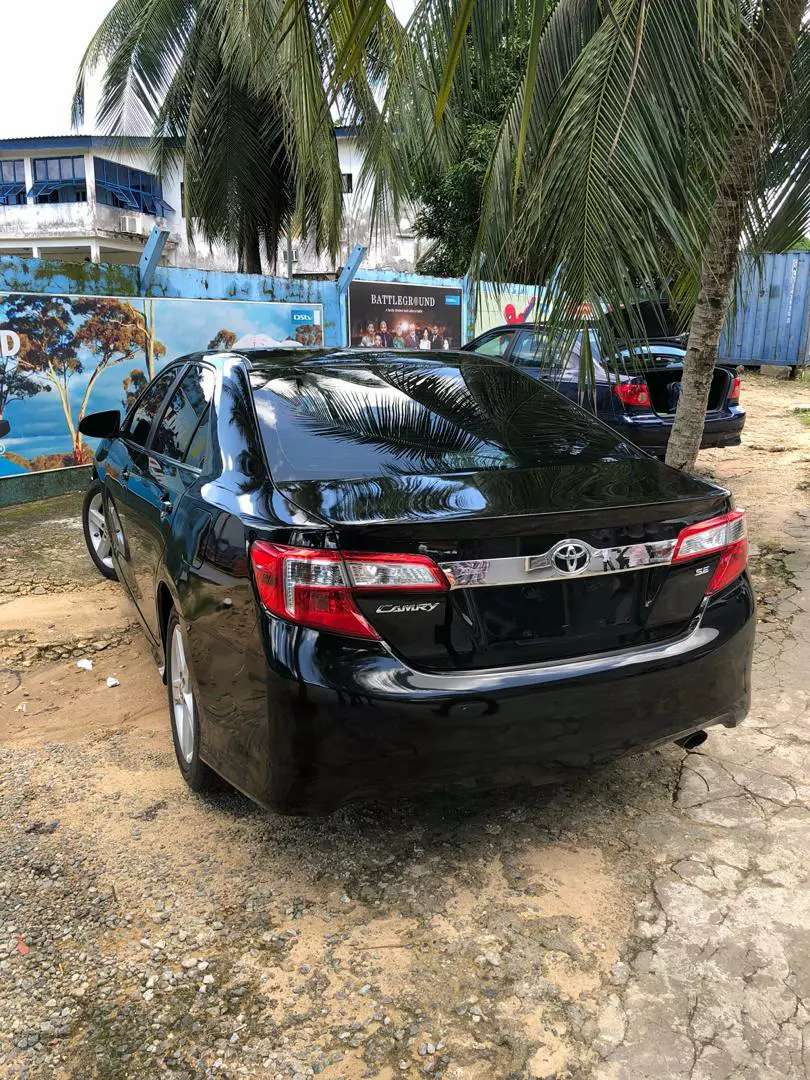 Very clean 2012 Toyota camry 0