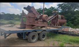 Crusher On Trailer With Screen
