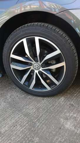 Golf 7 OEM 17 inch rims and tyres