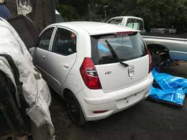 Hyundai i10 1.2 stripping for parts n accessories